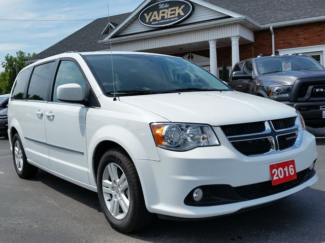 2016 Dodge Grand Caravan Crew in Paris, Ontario