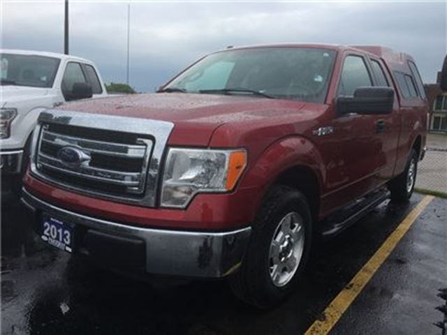 2013 FORD F-150 XLT 4X2 LOW KM!  BED CAP  6.5' BED  TOW PACKAGE in Waterloo, Ontario
