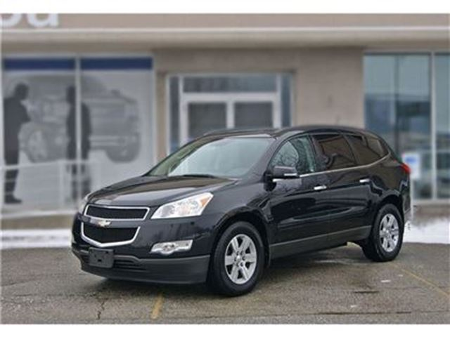 2011 Chevrolet Traverse 1LT AWD  DUAL ROOF HEATED SEATS in Toronto, Ontario