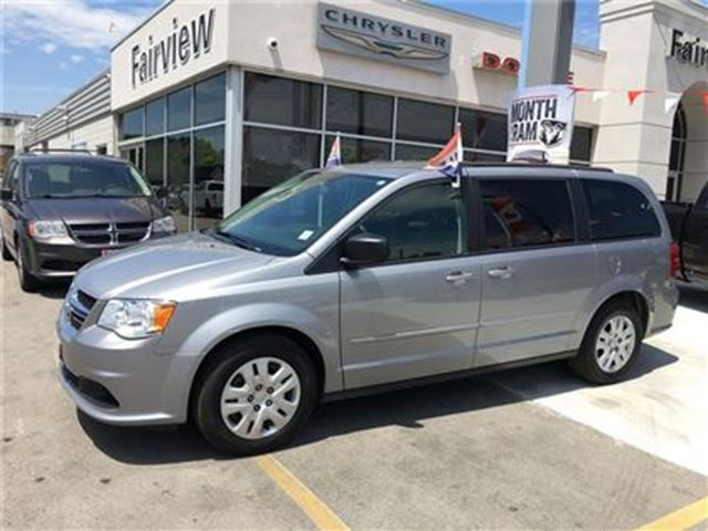 2014 DODGE GRAND CARAVAN SXT..Full Stow & Go in Burlington, Ontario