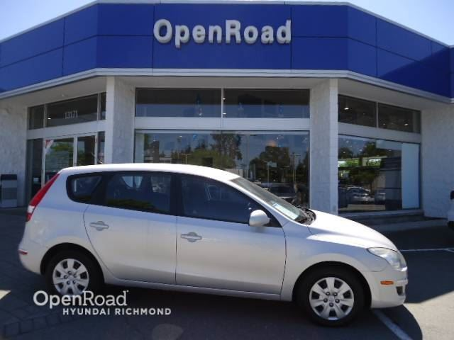 2009 HYUNDAI ELANTRA Touring with only 59K KM in Richmond, British Columbia