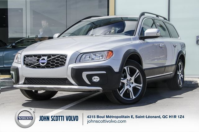 2015 Volvo XC70 T6 in Montreal, Quebec