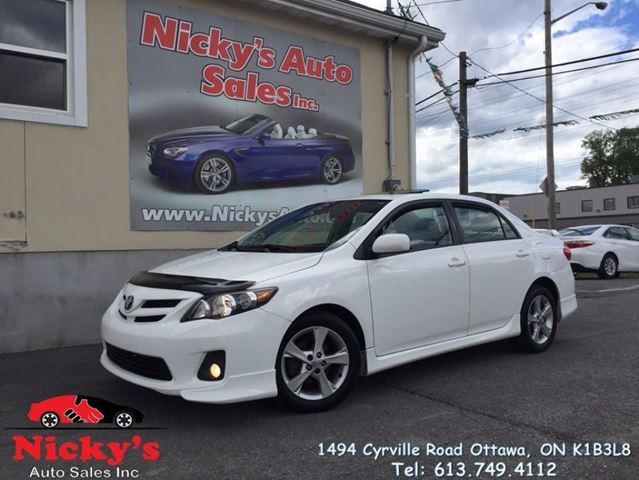 2012 TOYOTA Corolla S - AUTO - SUNROOF - ALLOY WHEELS - LOADED! in Ottawa, Ontario