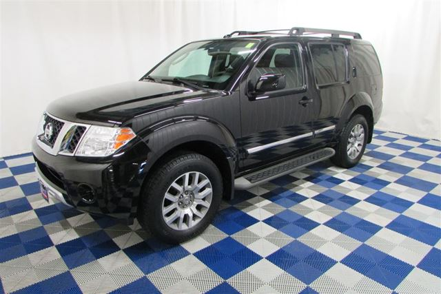 2011 NISSAN PATHFINDER LE AWD/BACKUP CAM/SUNROOF/LEATHER in Winnipeg, Manitoba