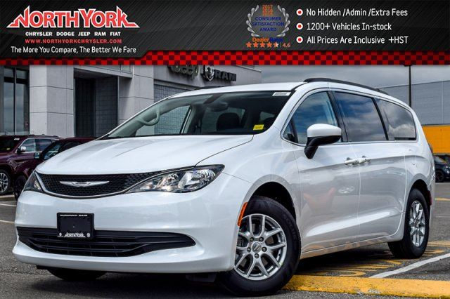 2017 CHRYSLER PACIFICA Touring in Thornhill, Ontario