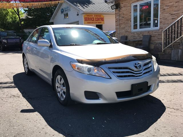 2010 TOYOTA CAMRY 4dr Sdn I4 Auto LE in Ottawa, Ontario