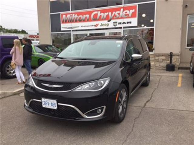 2017 CHRYSLER PACIFICA LIMITED / DVD / SAFETYTEC GROUP in Milton, Ontario
