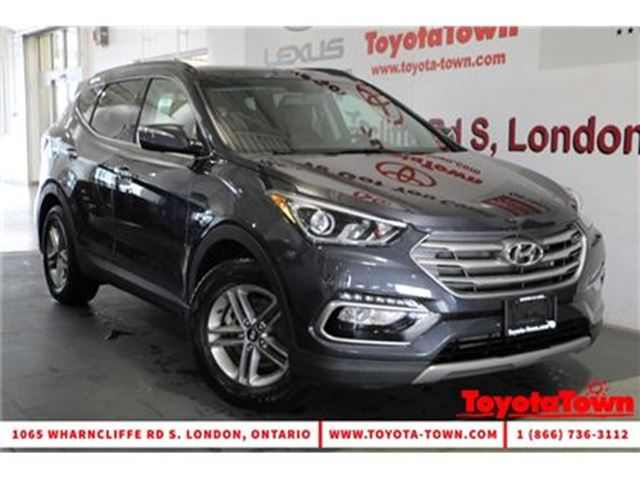 2017 HYUNDAI SANTA FE 2.4 AWD SE LEATHER PANO ROOF BLIND SPOT MONITOR in London, Ontario