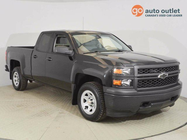 2014 CHEVROLET SILVERADO 1500 1WT 4x4 Double Cab 6.6 ft. box 143.5 in. WB in Edmonton, Alberta