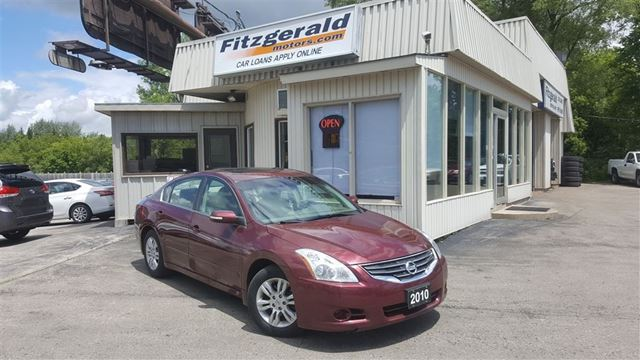 2010 Nissan Altima 2.5 SL - LEATHER! SUNROOF! BLUETOOTH! in Kitchener, Ontario