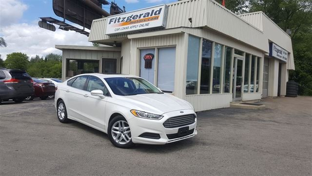 2013 Ford Fusion SE - SUNROOF! HEATED SEATS! in Kitchener, Ontario