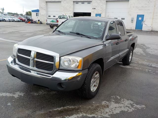 2005 Dodge Dakota SLT in Innisfil, Ontario