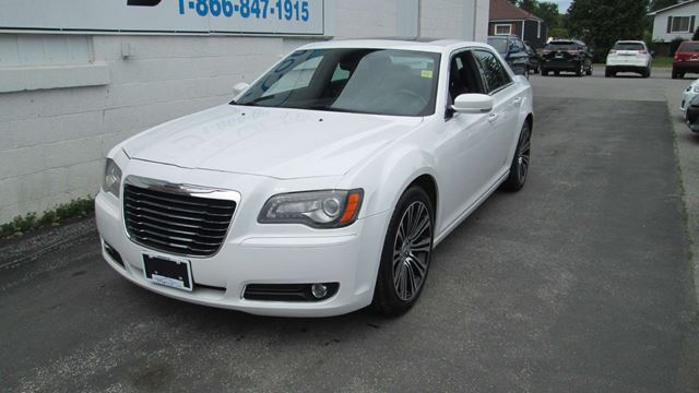 2012 Chrysler 300 S V6 in North Bay, Ontario