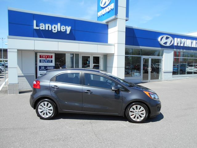 2014 KIA RIO EX in Surrey, British Columbia