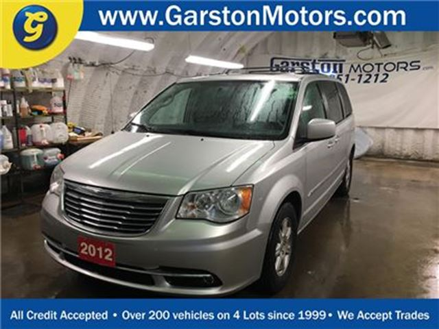 2012 Chrysler Town and Country TOURING*NAVIGATION*POWER SUNROOF*BACK UP CAMERA*RO in Cambridge, Ontario