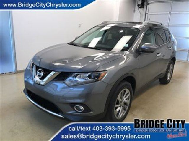 2015 NISSAN ROGUE SL *Well Equipped SUV* in Lethbridge, Alberta