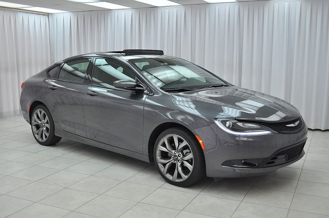 2016 Chrysler 200 200S V6 SEDAN w/ BLUETOOTH, HEATED/VENTILATED L in Dartmouth, Nova Scotia