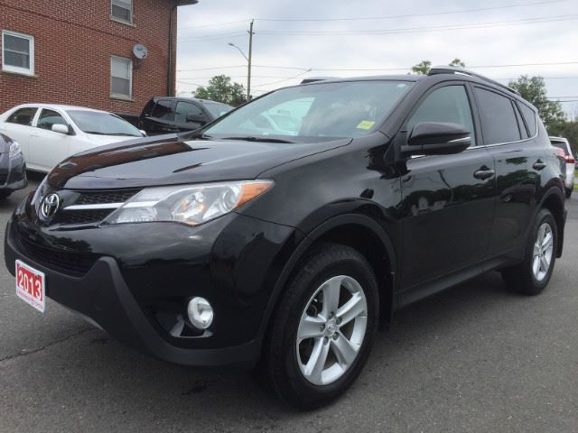 2013 TOYOTA RAV4   XLE-SUNROOF+HTD SEATS! in Cobourg, Ontario