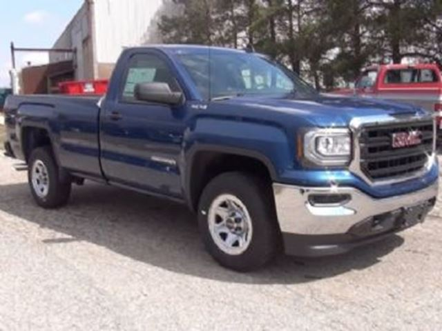 2017 GMC Sierra 1500 4WD Reg Cab w/8' Box in Mississauga, Ontario