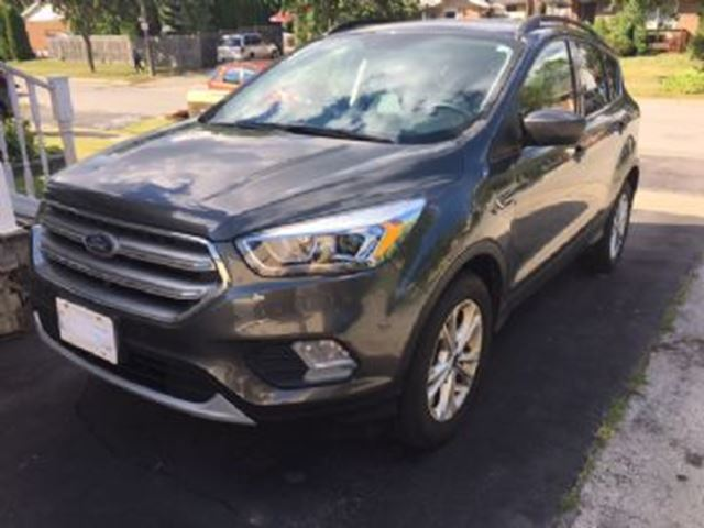 2017 FORD ESCAPE AWD SE w/Navigation in Mississauga, Ontario