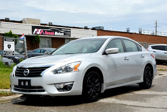 2013 NISSAN Altima 4 Cylinder Automatic in Brampton, Ontario