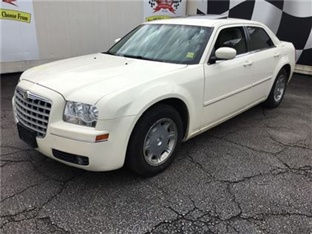 2005 Chrysler 300 - in Burlington, Ontario