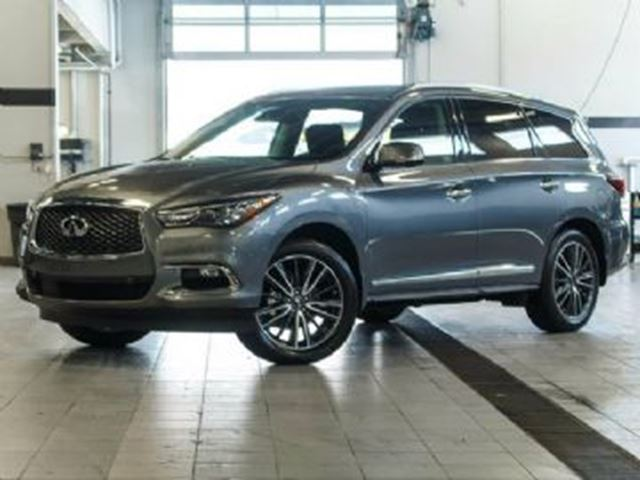 2017 Infiniti QX60 Premium Deluxe Touring & Technology Package in Mississauga, Ontario
