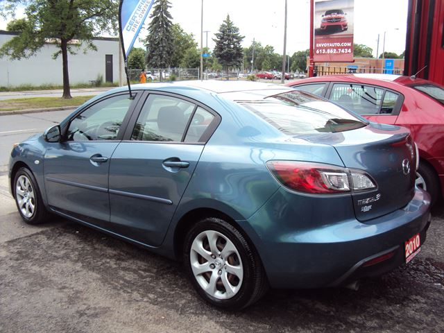 used 2010 mazda mazda3 gs new tires a c cruise. Black Bedroom Furniture Sets. Home Design Ideas