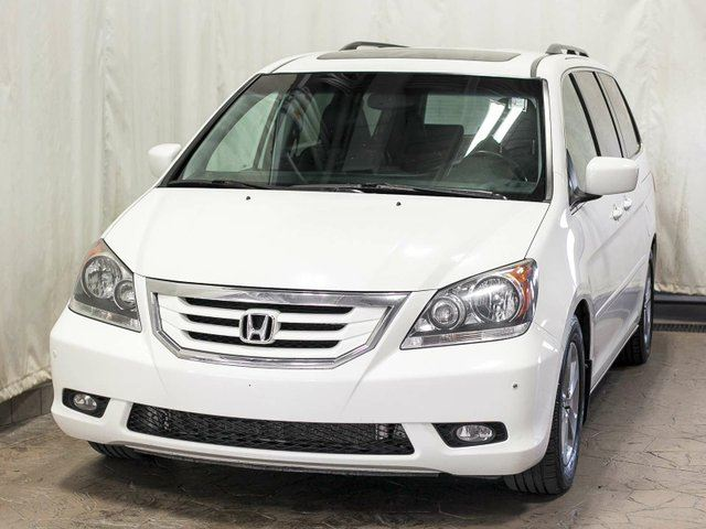 2010 Honda Odyssey Touring 8-Passenger w/ Navigation, Leather, Sunroof in Edmonton, Alberta