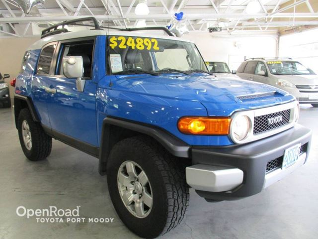 2007 Toyota FJ Cruiser B Package - Backup sensors, Air Conditioning, R in Port Moody, British Columbia