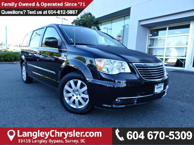 2015 CHRYSLER TOWN AND COUNTRY Touring w/2 Row Stow 'N Go & POWER SLIDING DOORS in Surrey, British Columbia