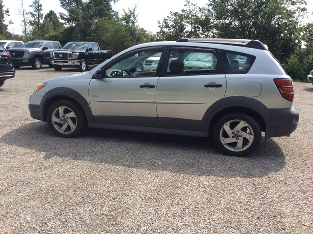 2006 Pontiac Vibe Base in Smiths Falls, Ontario