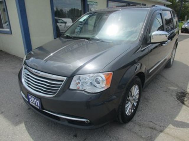 2011 CHRYSLER TOWN AND COUNTRY LOADED LIMITED EDITION 7 PASSENGER 3.6L - V6..  in Bradford, Ontario