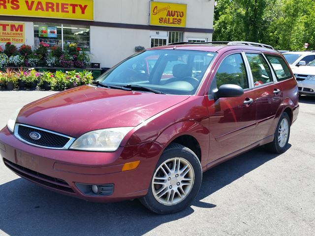 2007 Ford Focus SES Leather Sunroof  in Dundas, Ontario