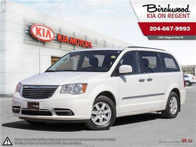 2012 CHRYSLER TOWN AND COUNTRY Touring *LOCAL TRADE GREAT COND* in Winnipeg, Manitoba
