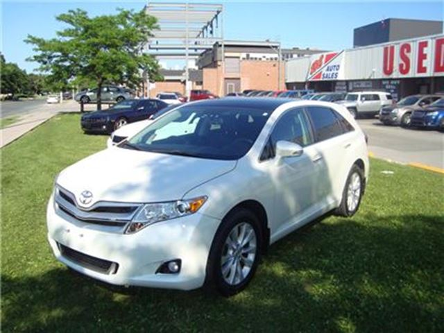 2013 Toyota Venza AWD ~ LEATHER ~ NAVIGATION ~ BACK-UP CAMERA ~ in Toronto, Ontario