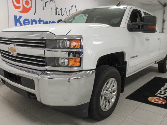 2016 Chevrolet Silverado 3500  LT 3500HD 6.0L V8 4x4, huge bed for all your carrying needs! in Edmonton, Alberta