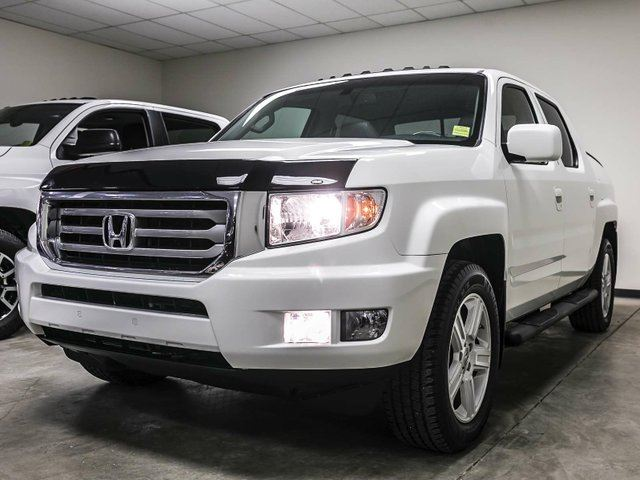 2014 Honda Ridgeline Touring, 3M Hood, Side Steps, Navigation, Leather, Heated Seats, Sunroof, Touch Screen, Back Up Camera, Alloy Rims, Bluetooth, 4x4, Crew Cab in Edmonton, Alberta