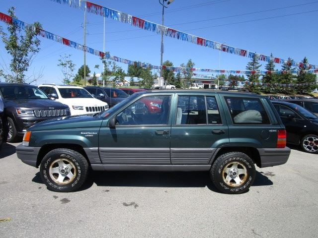 1993 jeep grand cherokee laredo calgary alberta car for sale 2823421. Black Bedroom Furniture Sets. Home Design Ideas