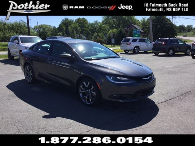 2016 Chrysler 200 S  LEATHER  HEATED SEATS  REAR CAMERA  in Windsor, Nova Scotia