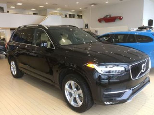 2017 VOLVO XC90 Momentum (7 Seat) T5 Drive-E AWD + Many Extras in Mississauga, Ontario