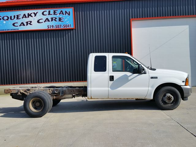 2001 Ford F-350  XL RWD CAB & CHASSIS  in Jarvis, Ontario