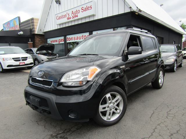 2011 Kia Soul HEATED SEATS! FIVE SPEED! in St Catharines, Ontario