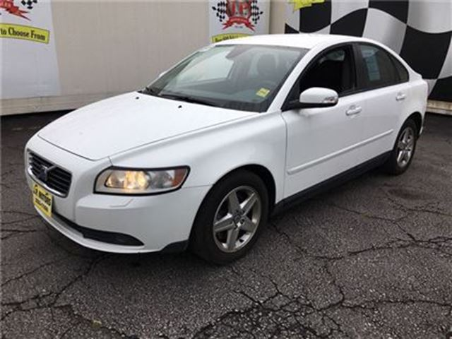 2009 VOLVO S40 2.4L, Automatic, Leather, in Burlington, Ontario