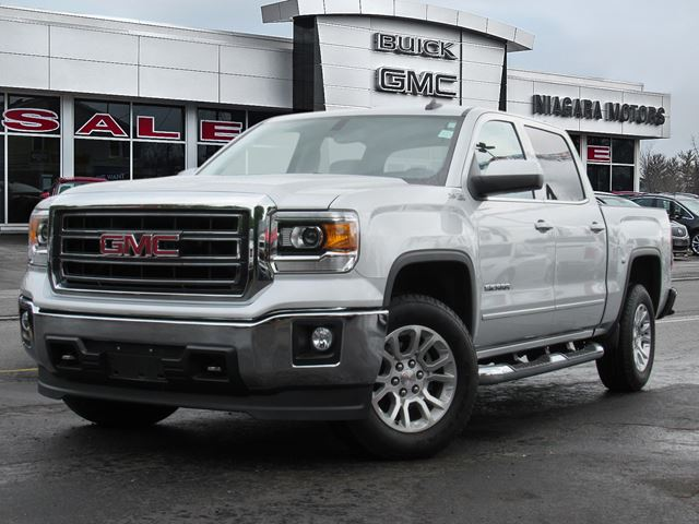 2015 GMC SIERRA 1500 SLE Crew Cab Short Box 4WD ** Purchased, Servic in Virgil, Ontario