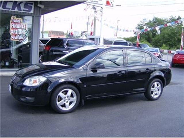 2009 PONTIAC G5 SPORTY LITTLE SEDAN WITH SUNROOF !! in Welland, Ontario