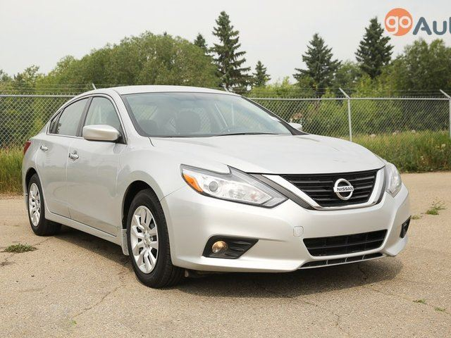 2016 Nissan Altima 2.5 4dr Sedan in Red Deer, Alberta