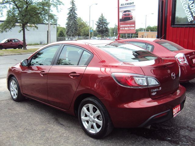 used 2011 mazda mazda3 one owner no accidents automatic ottawa. Black Bedroom Furniture Sets. Home Design Ideas