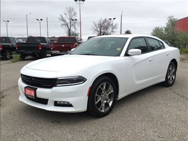 2016 Dodge Charger SXT**SUNROOF**8.4 TOUCHSCREEN**BLUETOOTH** in Mississauga, Ontario