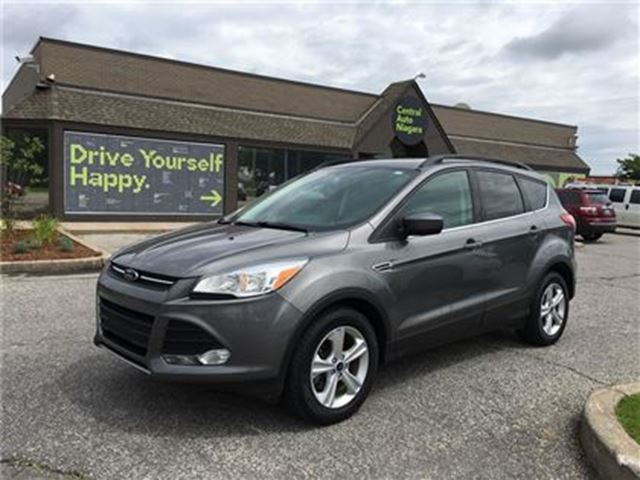 2014 Ford Escape SE /CARPROOF CLEAN/NAV/PWR LIFTGATE / 4X4 in Fonthill, Ontario